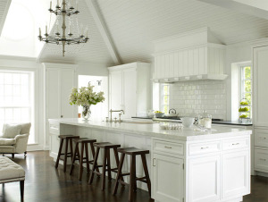 Airy white kitchen