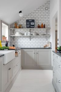 White Tile Dark Grout