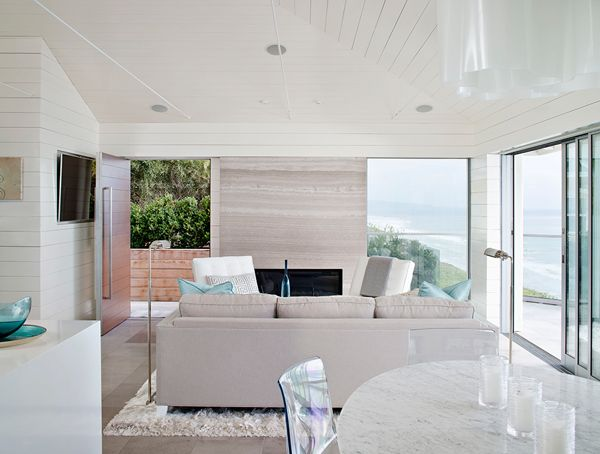 Chic cottage what 39 s hot by jigsaw design group for Beach house designs interior