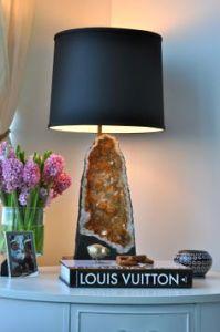 Geodes lamp