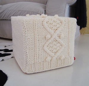 cable knit cube