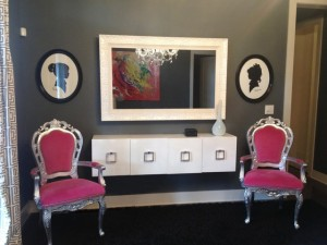 TV mirror Framed pink chairs