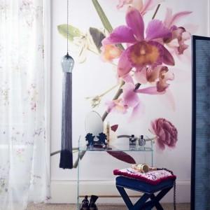 floral dressing room