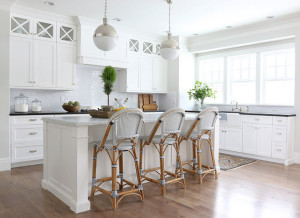siimply white kitchen