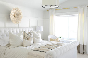 simply whte bedroom