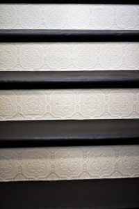 stair-risers-wallpaper-paintable