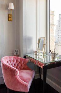 pink-velvet-chair