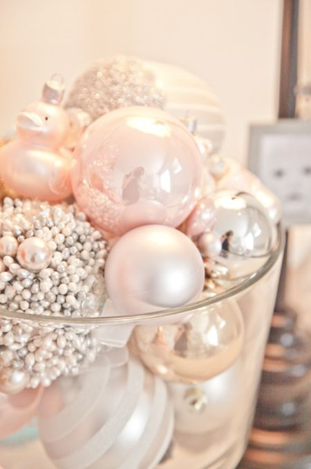 Blush Christmas Decorations What S Hot By Jigsaw Design